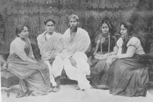 rabindranath-tagore-son-rathindranath-tagore-daughters-mira-debi-renuka-debi-madhurilata-debi-bela-photo